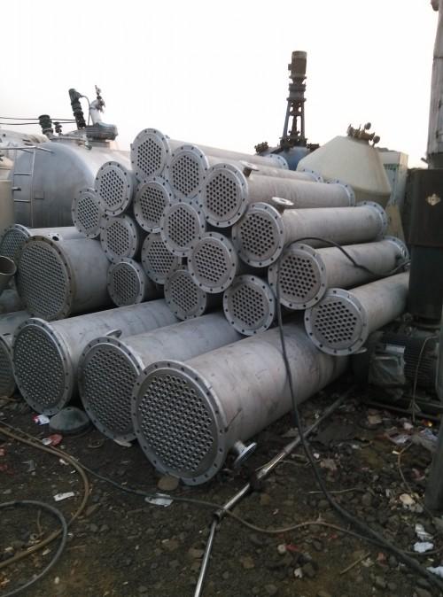 二手不锈钢列管冷凝器二手不锈钢储罐报价