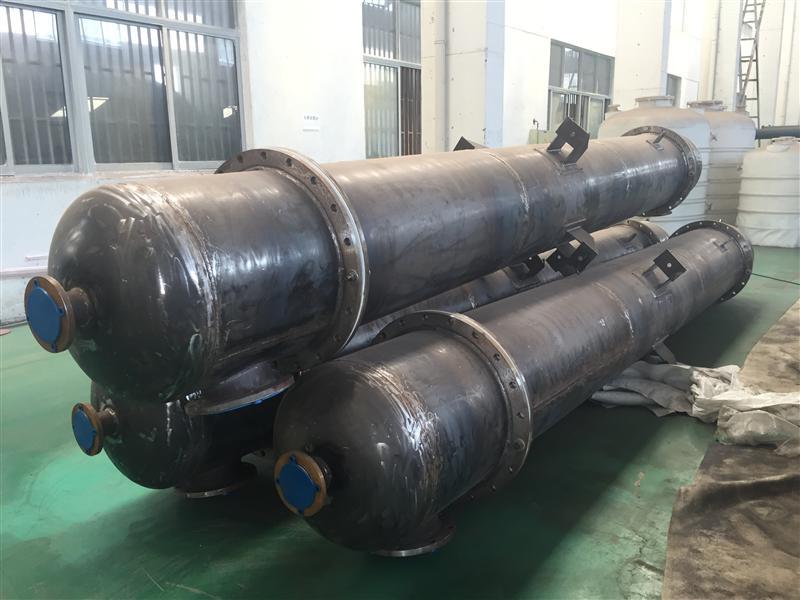 江蘇圣泰非標鋼襯塑離子交換柱