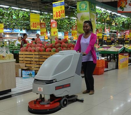 宜昌超市保洁手推式吸水擦地机Clever510B