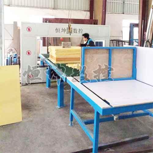 聚氨酯保温管切割机、硬质聚氨酯管材加工机械设备