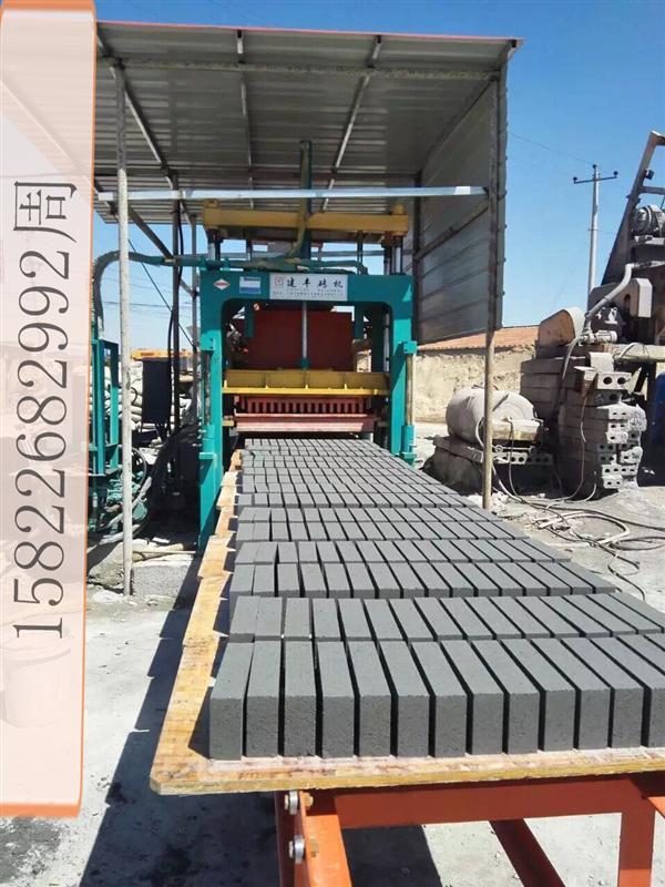 制砖机行业。免烧砖市场分析,东北地区砖机供应-建丰砖机