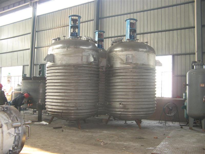 山东泰松 供应外盘管不锈钢碳钢反响釜
