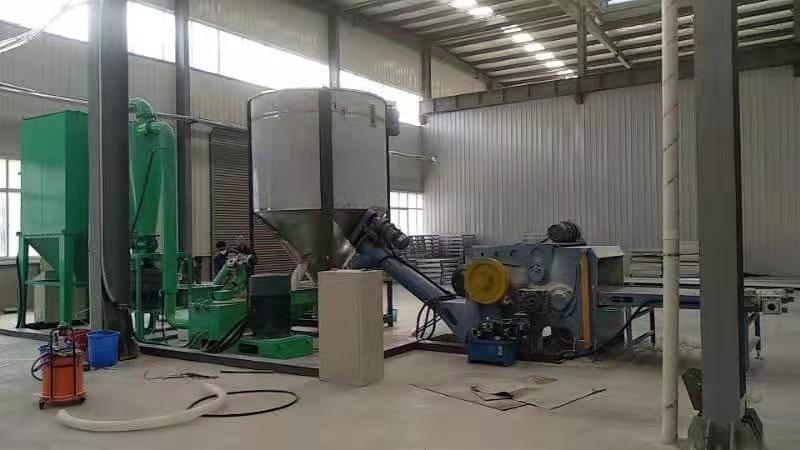 供应大型PVC复合地板磨粉机